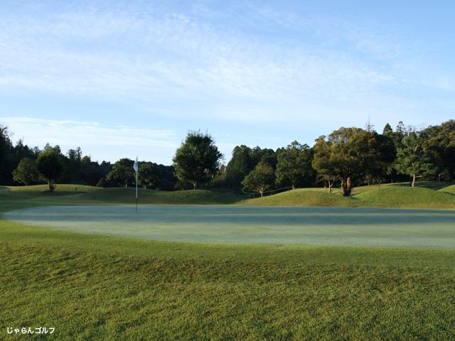 霞台カントリーゴルフクラブの写真1-2