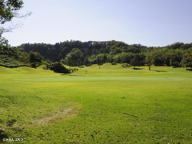 ロイヤルスターゴルフクラブの写真2-4