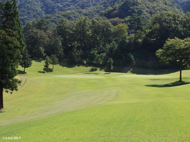 秋山カントリークラブの写真2-2