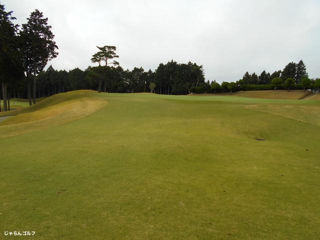 御殿場ゴルフ倶楽部の写真3-4